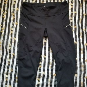 Athleta Black Cropped Athletic Leggings Size Small